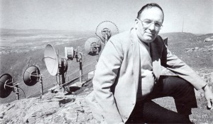 Jim Harvey, manager of Kaiser Permanente microwave radio network, on top of Mission Ridge near Milpitas, CA. From KP Reporter, May 1988.