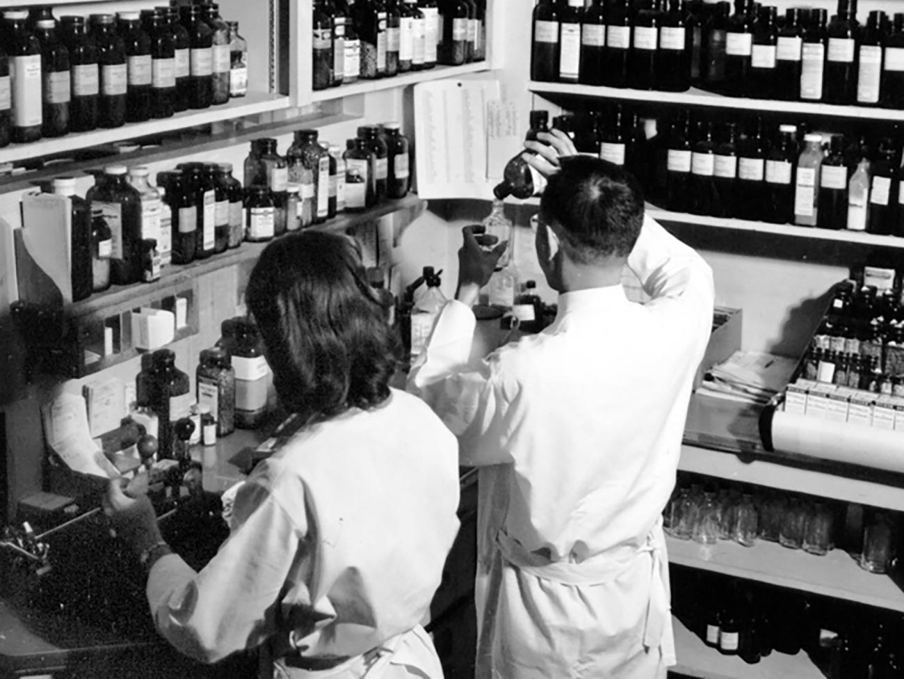Pharmacists fill prescriptions, 1940s, Kaiser Oakland Hospital